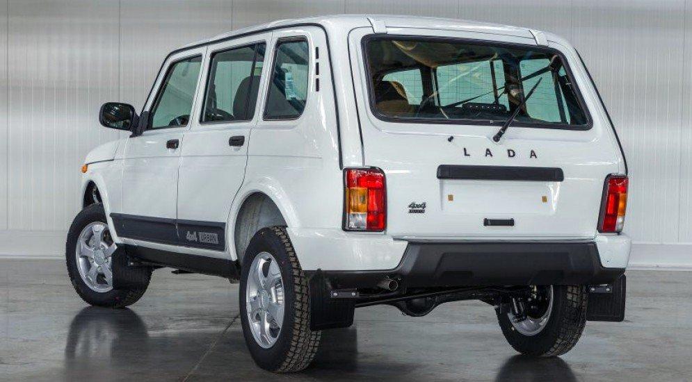 Lada 4x4 5 дверей вид сзади